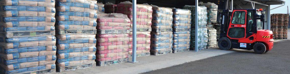Cement Kft. udvari raktár